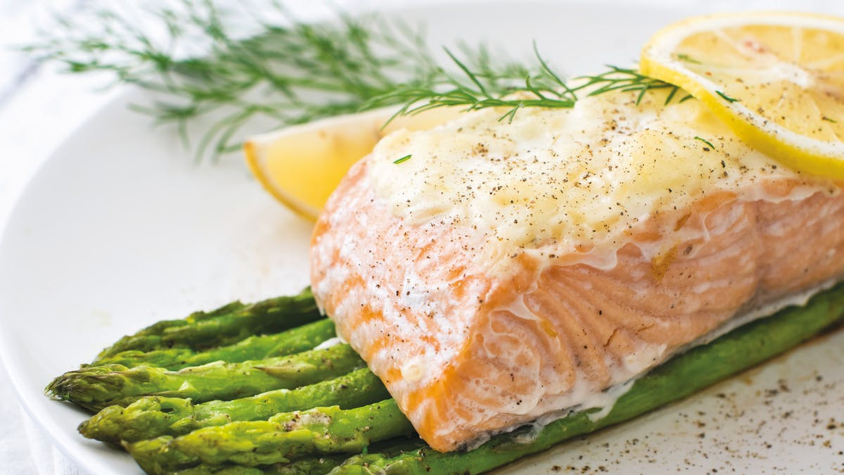 Parmesan-crusted salmon bake with asparagus