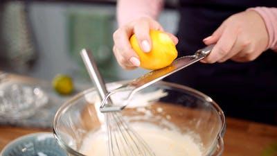 柠檬罂粟籽芝士蛋糕