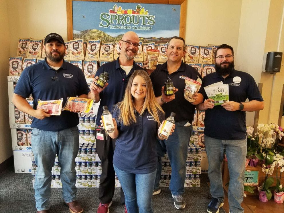 """""""Keto Krew"""" at Texas grocer works together to drop 200 pounds"""
