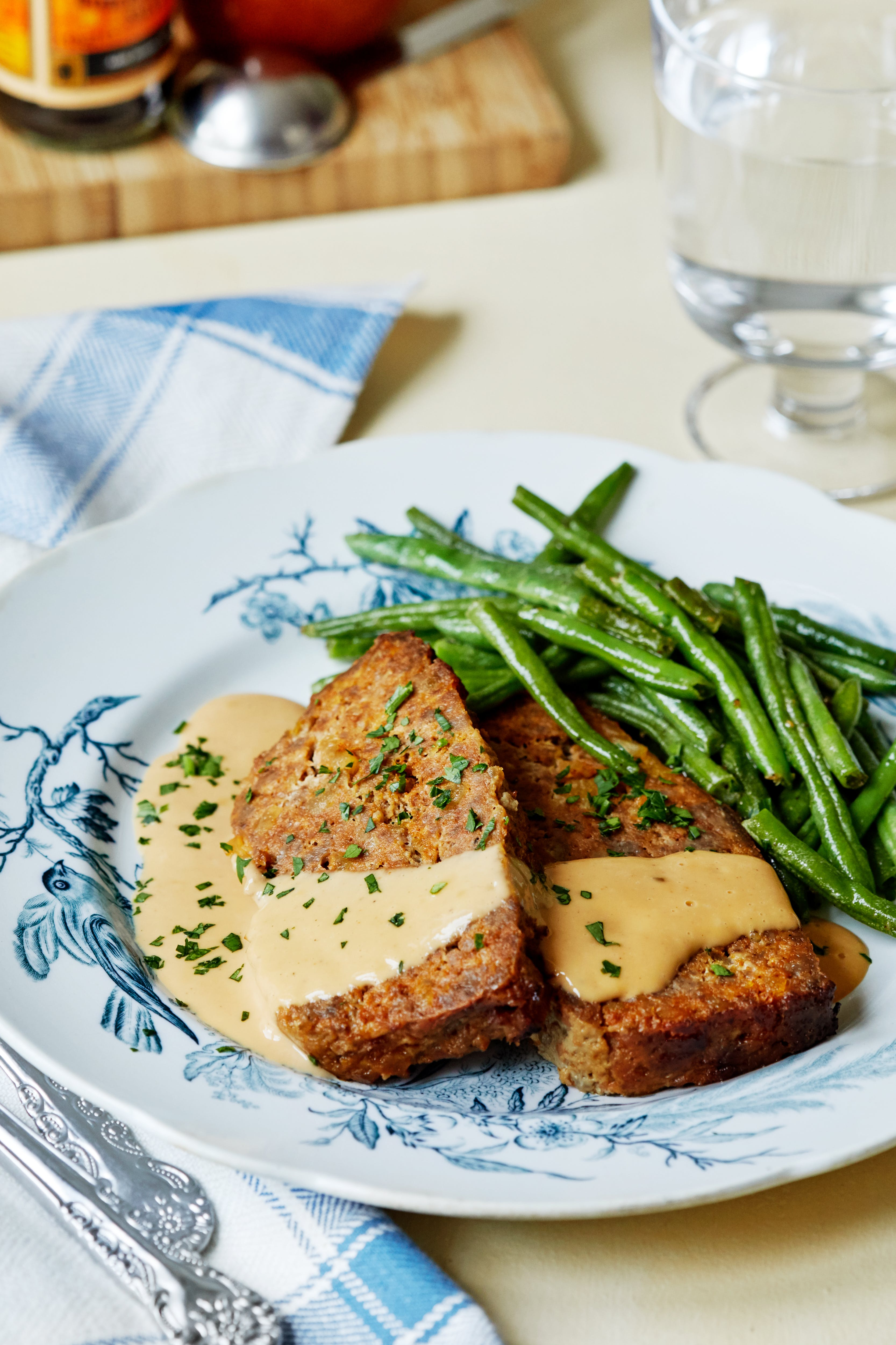 Meatloaf with gravy and beans