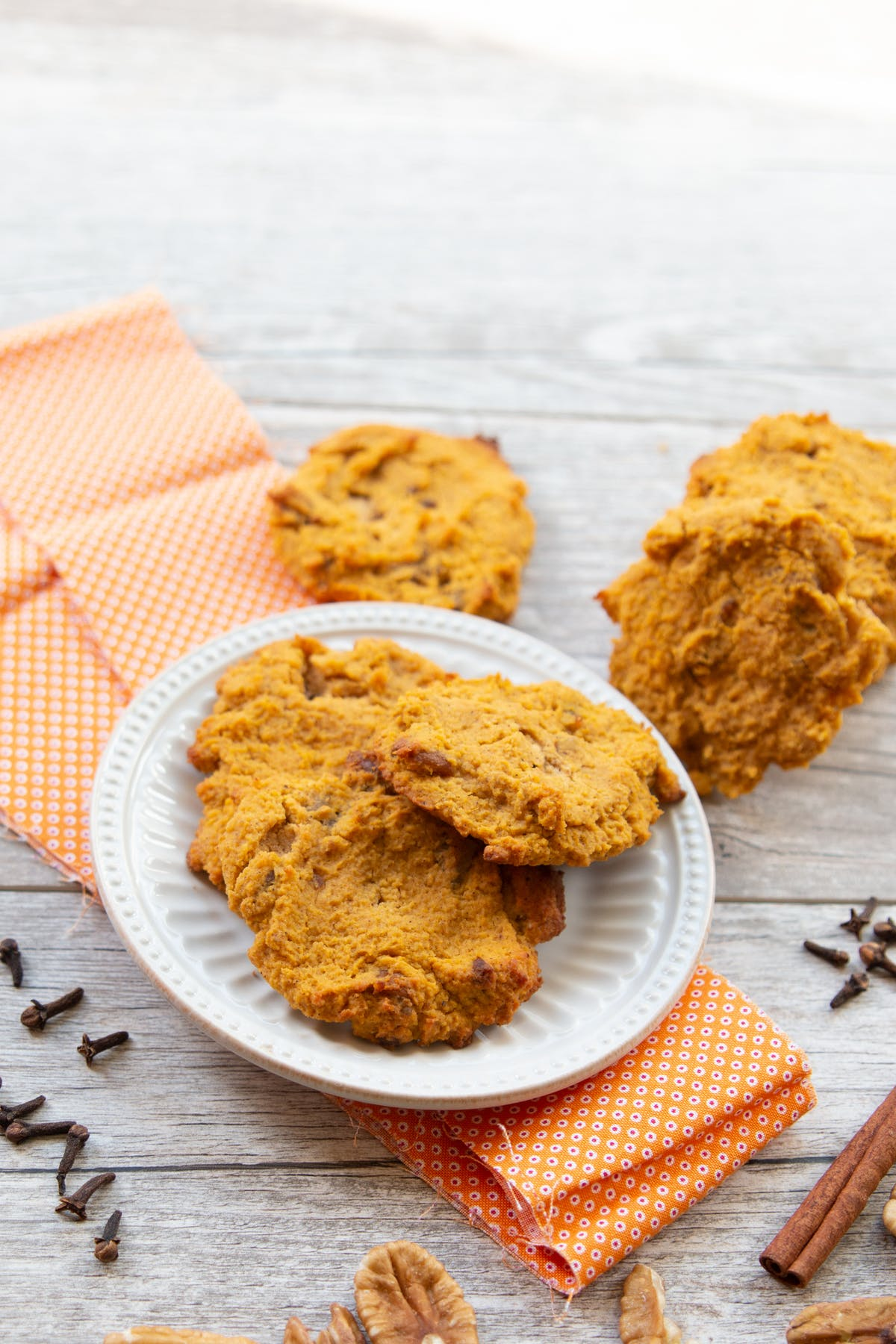 Low-carb pumpkin spice cookies