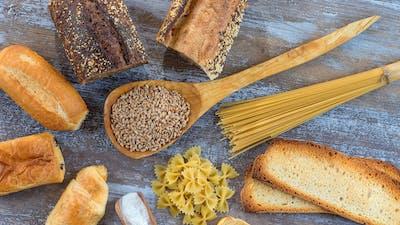 是低蛋白,高碳水化合物饮食的关键一个更好的衰老的大脑?也许在老鼠身上