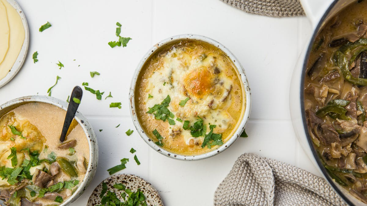 Keto Philly cheesesteak soup