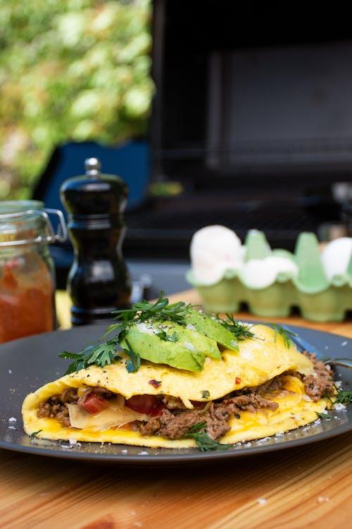Keto taco omelet
