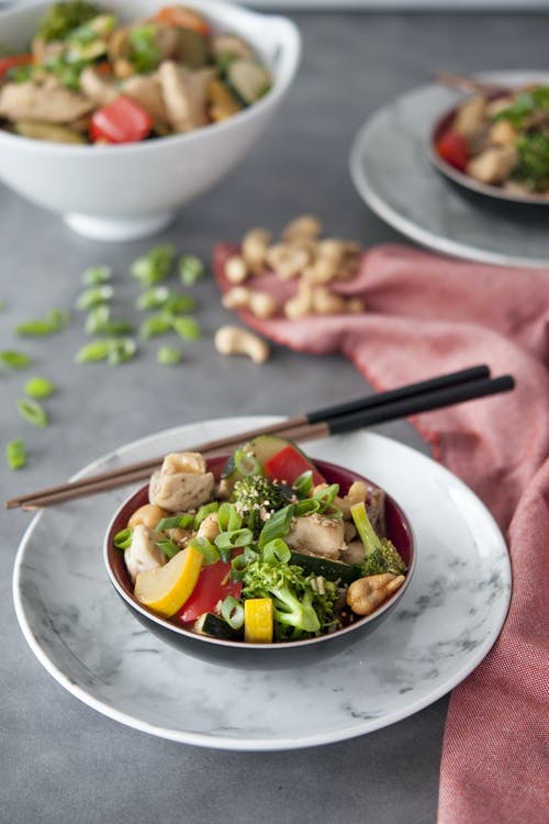 Low-carb cashew chicken stir-fry