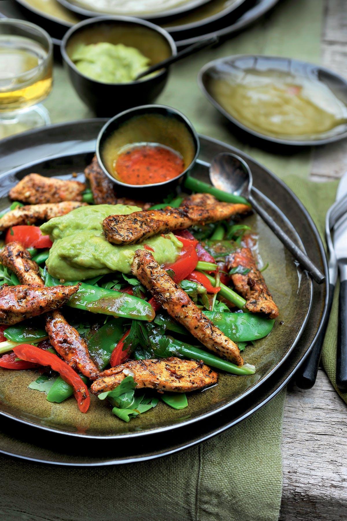 Cajun chicken salad with guacamole