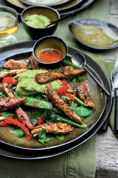 Cajun chicken salad with guacamole
