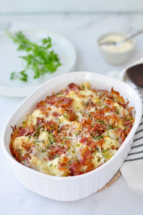 大蒜和香草菜花Mac和培根奶酪GydF4y2Ba