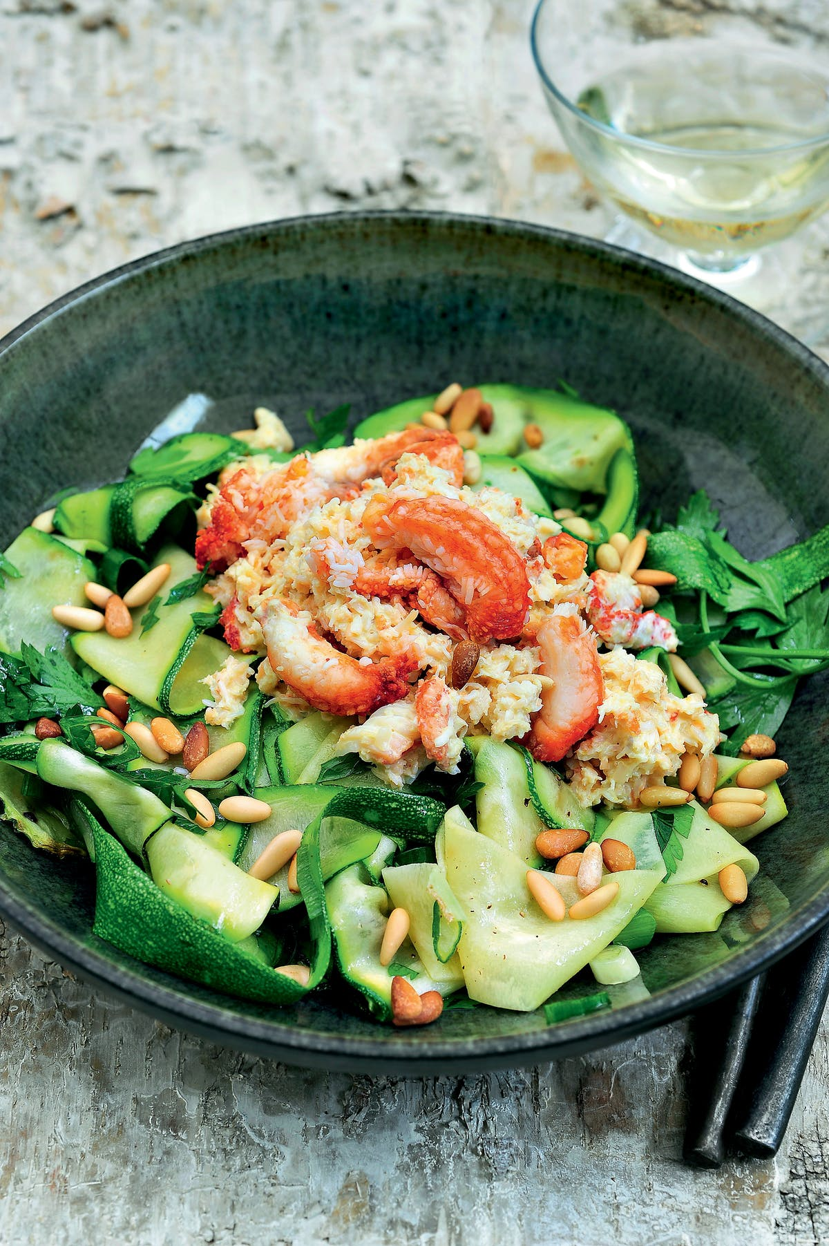 Zucchini noodles with crab