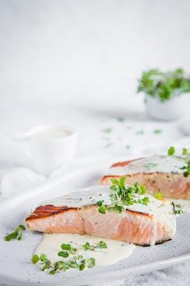 Keto seared salmon with creamy lemon sauce