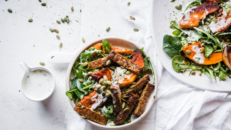 Low-carb vegan tempeh pumpkin bowl