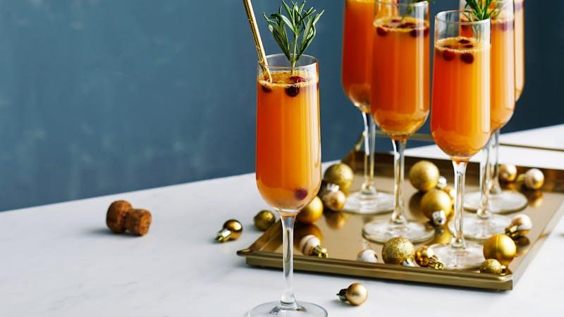 Low-carb cranberry grapefruit mimosas