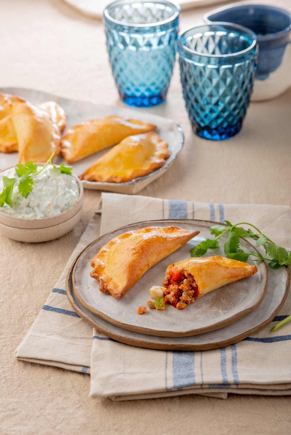 Low-carb beef empanadas with dip