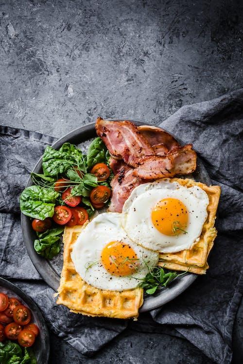 Breakfast keto chaffles