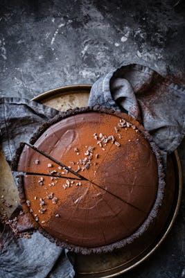 Low-carb vegan chocolate ganache tart