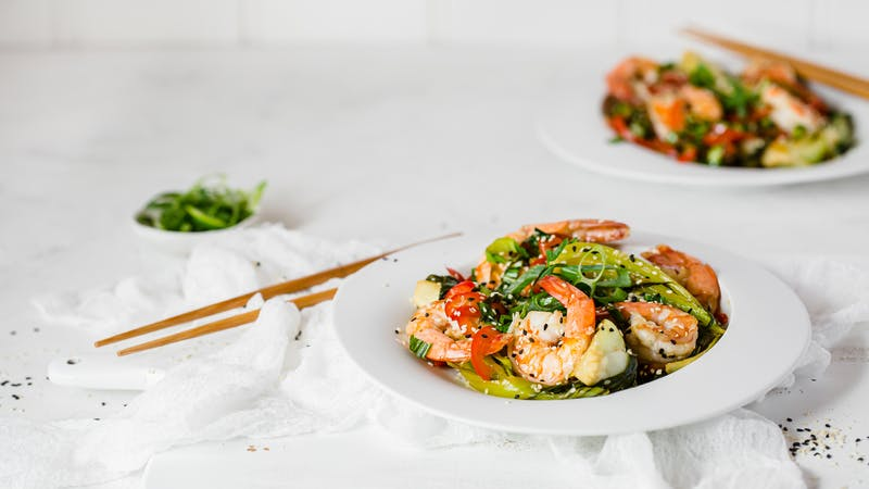 Keto garlic and sesame prawns