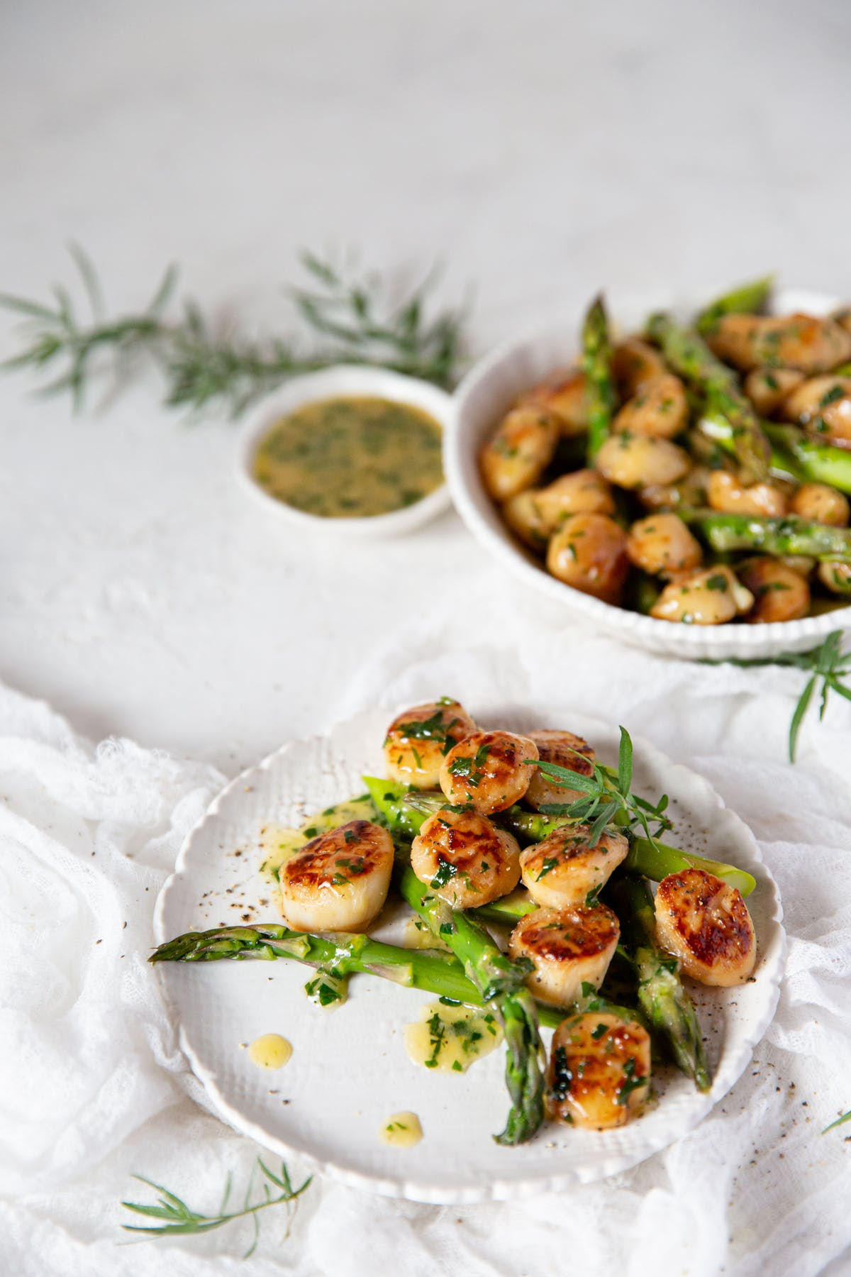 Seared scallops with tarragon butter