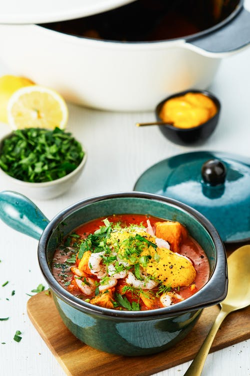 Low-carb bouillabaisse with saffron aioli
