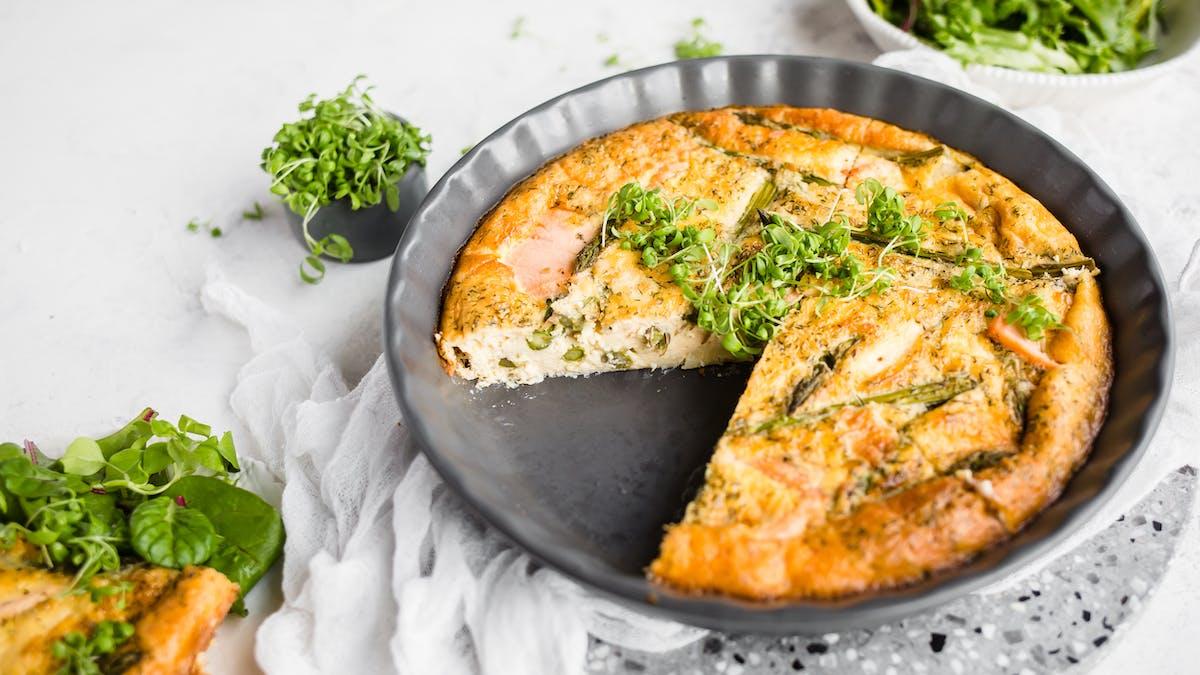 Smoked salmon and asparagus frittata