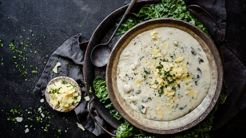 Low-carb spinach and artichoke soup