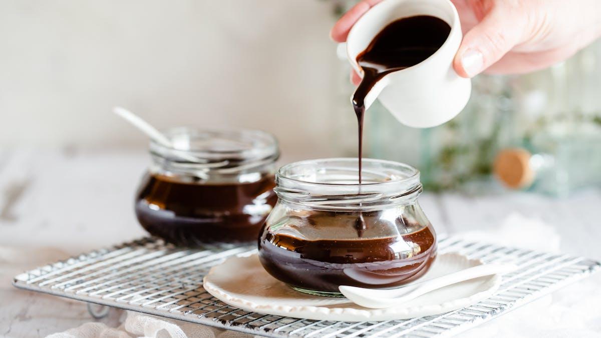 Keto milk chocolate syrup