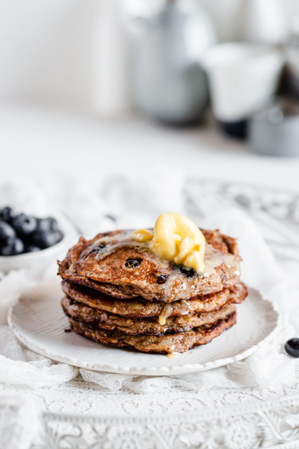 Low-carb banana blueberry pancake