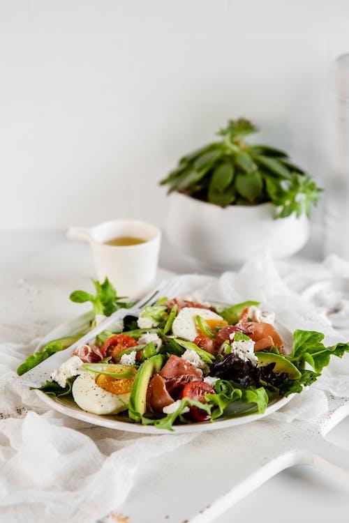 Keto Parma ham Mediterranean plate