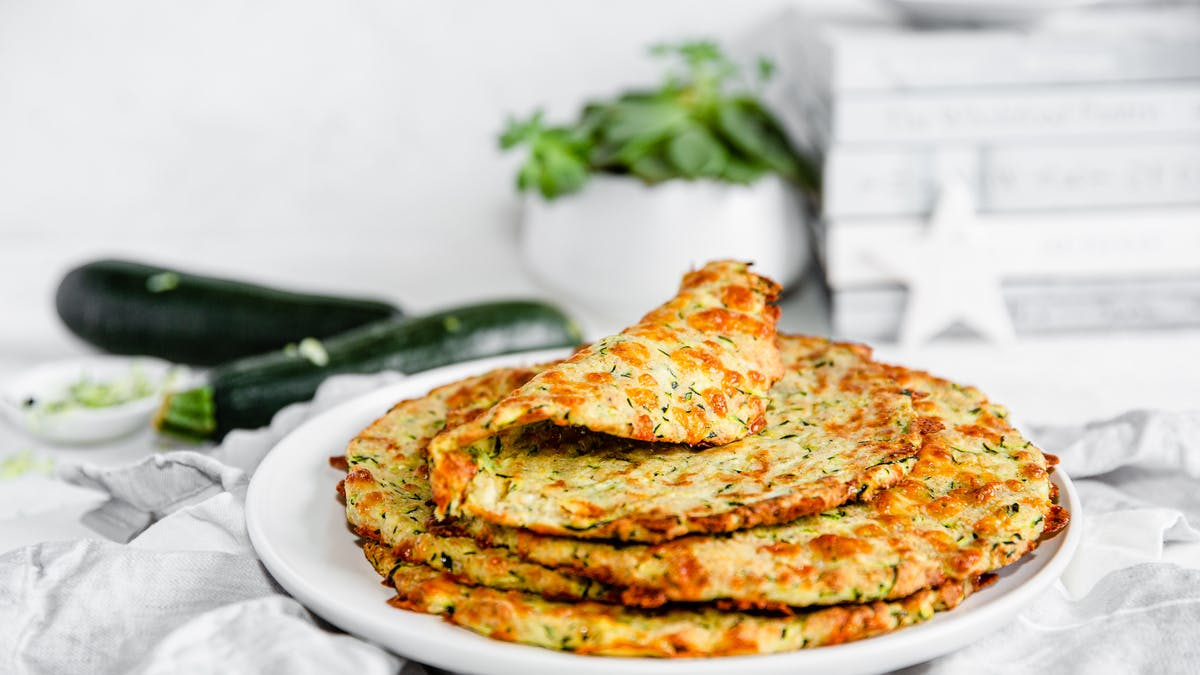 Low-carb zucchini tortillas