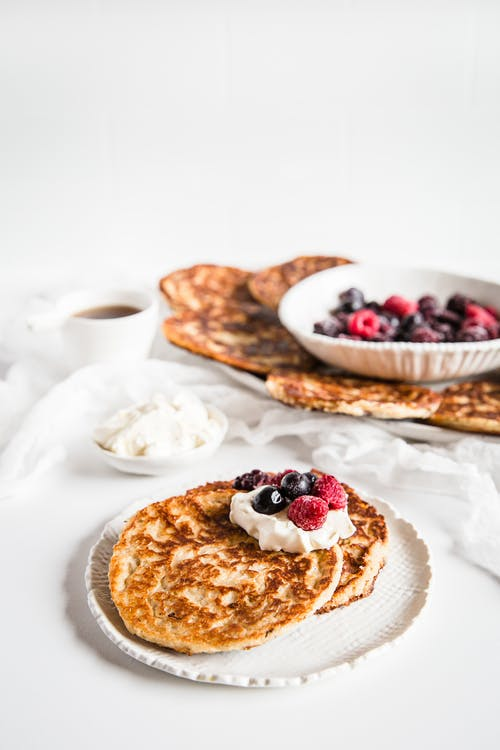 Crispy egg-free low-carb almond pancakes