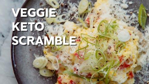 Veggie keto scramble