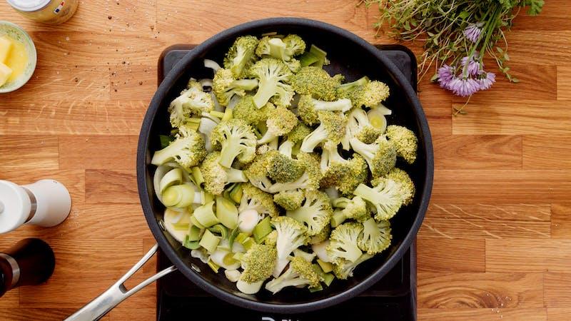 Broc-cauli sausage gratin