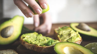 Top 7 nutrition facts and health benefits of avocados