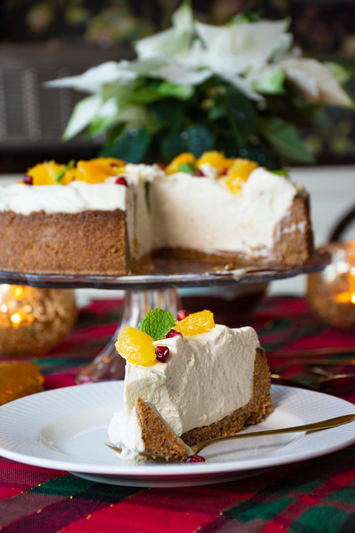 Low-carb orange and gingerbread cheesecake