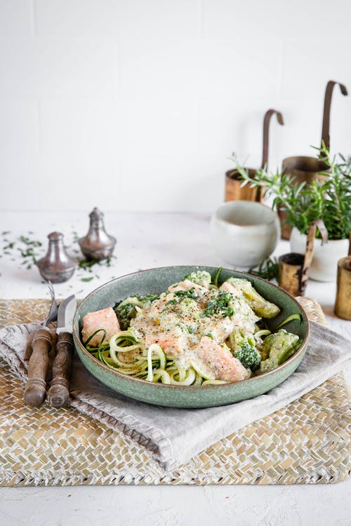 Low-carb salmon and zoodles in blue cheese sauce