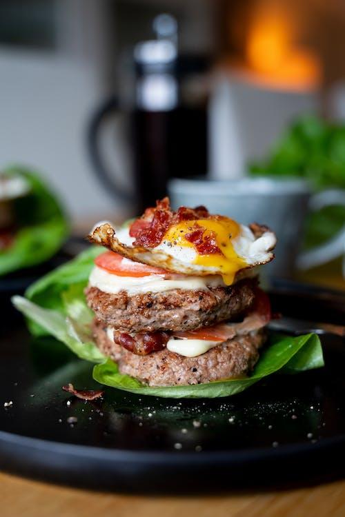 High-protein turkey breakfast burger