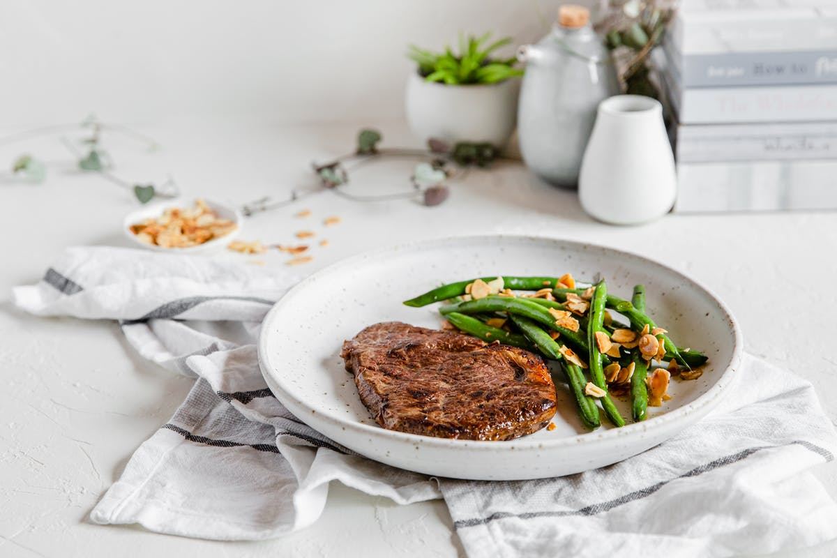 sirloin-steak with butterfried green-beans and almonds