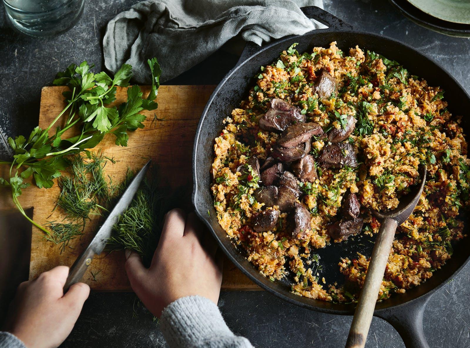 Midweek Meaty Low-Carb Pilaf – Recipe – Diet Doctor