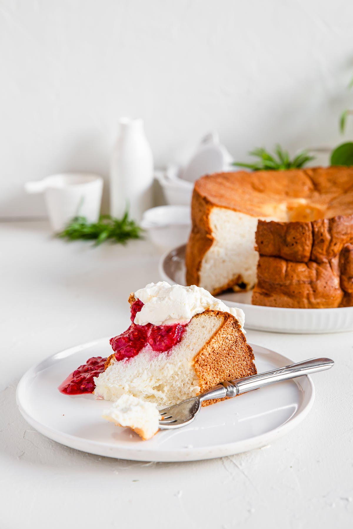 High-protein low-carb angel food cake