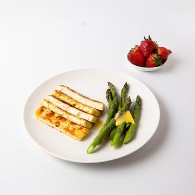 female plate-halloumi-asparagus