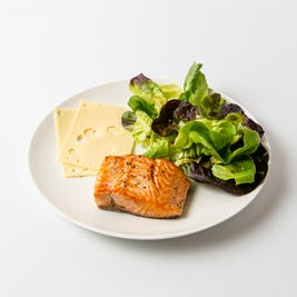 female-salmon-with-italian-salad