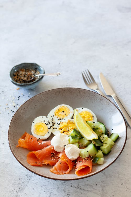 High protein breakfast bowl with eggs and smoked salmon