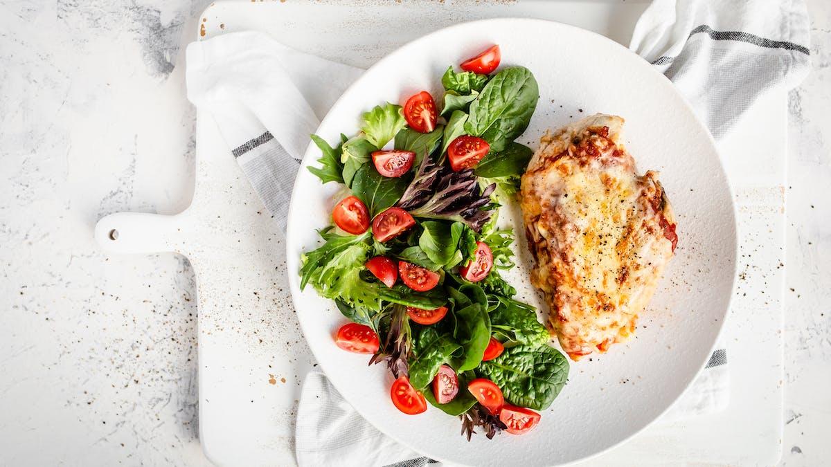 4-ingredient chicken parmesan