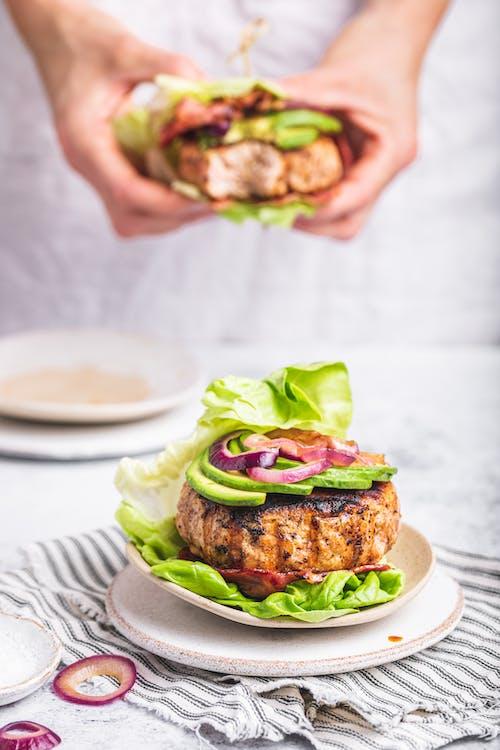 Avocado bacon and chicken bun-less burger